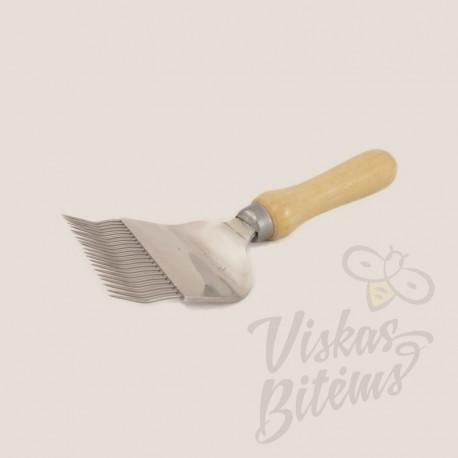 Šakutė su medine rankena 25